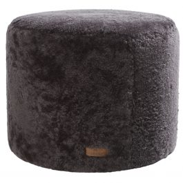 SHEEPSKIN POUFFE IN CARBON