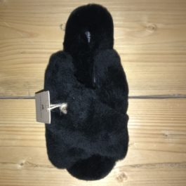 BLACK FLUFFY LOVISO SHEEPSKIN CROSS OVER FRONT SLIPPER
