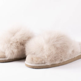 FLUFFY SHEEPSKIN TESSAN SLIPPER